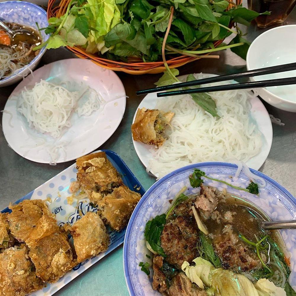 5 tiệm bún chả Hà Nội thu hút thực khách ở TP.HCM-5