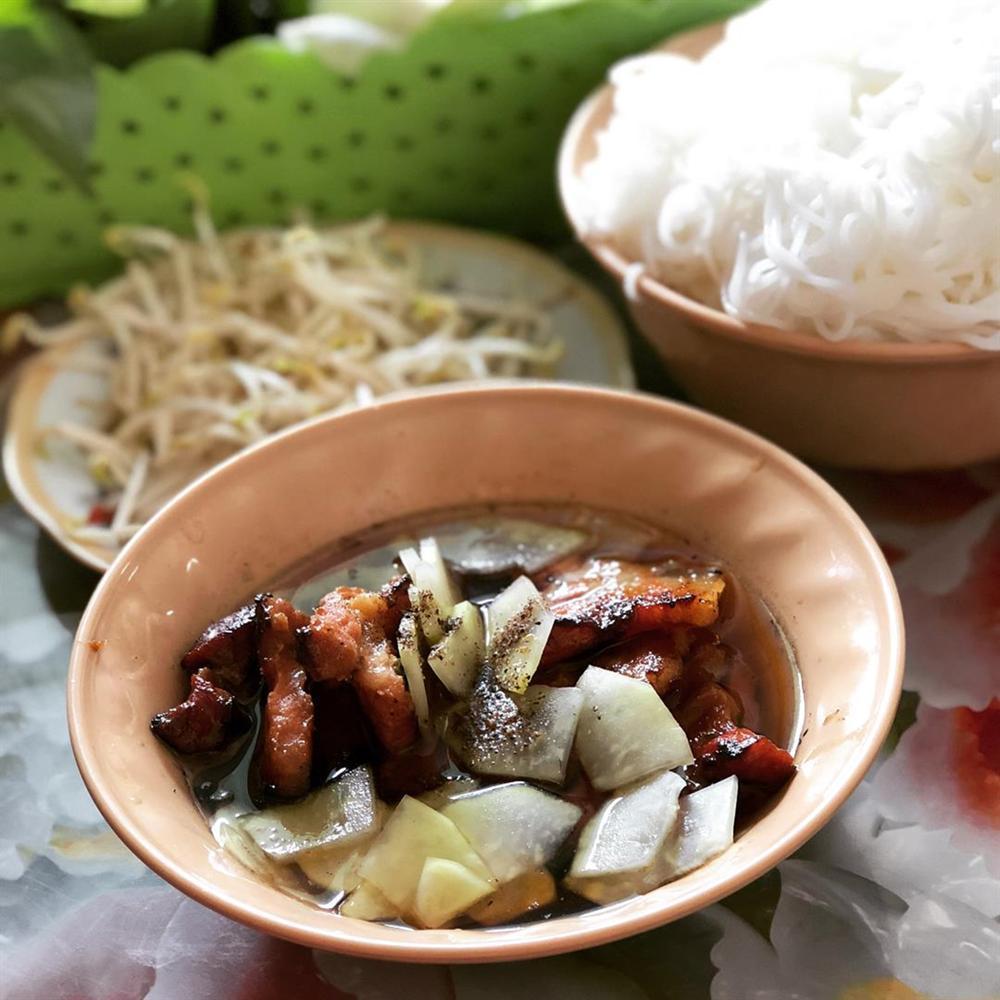 5 tiệm bún chả Hà Nội thu hút thực khách ở TP.HCM-6