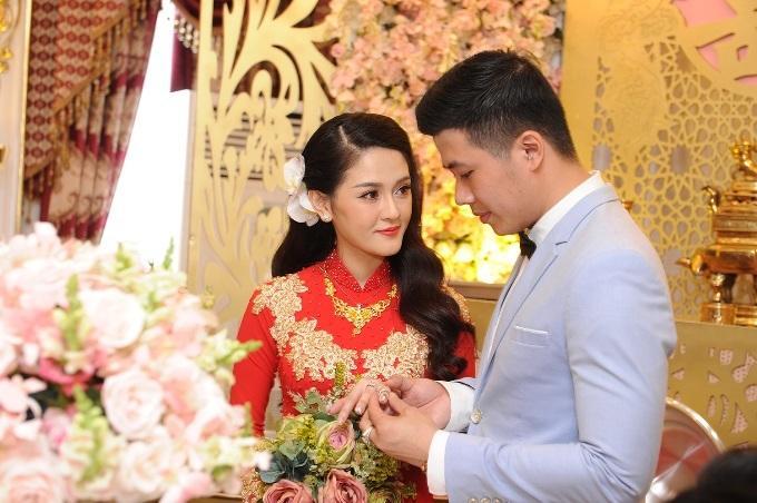 Những đám cưới xa hoa, dát đầy vàng của con đại gia Việt-4