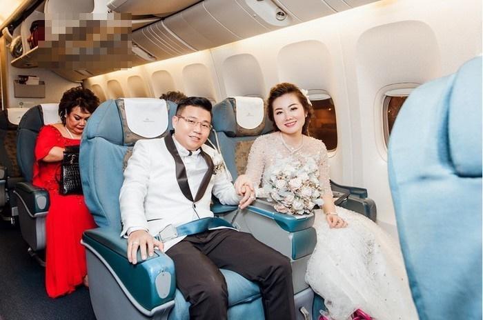 Những đám cưới xa hoa, dát đầy vàng của con đại gia Việt-9