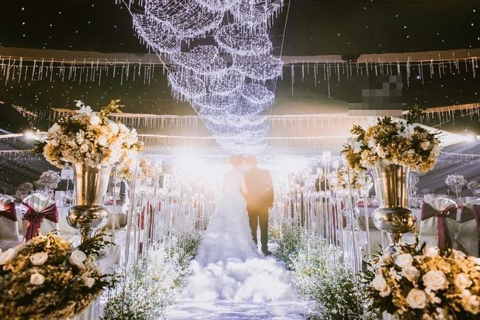 Những đám cưới xa hoa, dát đầy vàng của con đại gia Việt-13