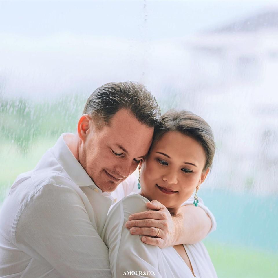 Vợ mới của chồng cũ Hồng Nhung khoe ảnh nhóc tì đáng yêu vừa chào đời-1