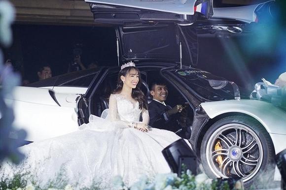 Khoe ảnh sau đám cưới, ái nữ nhà Minh Nhựa làm ai cũng tưởng đang thả rông vòng một-2