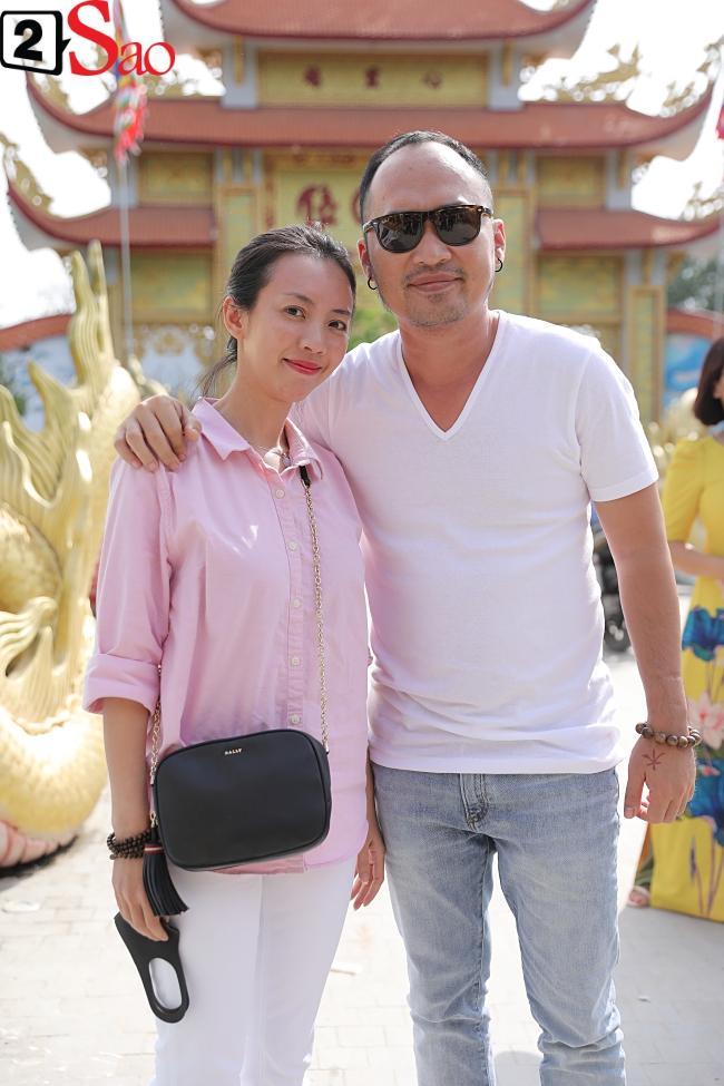 VZN News: Trấn Thành, Hồ Ngọc Hà và dàn sao Việt tấp nập dâng hương tại nhà thờ Tổ của Hoài Linh-6