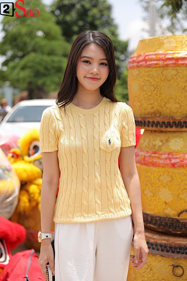 VZN News: Trấn Thành, Hồ Ngọc Hà và dàn sao Việt tấp nập dâng hương tại nhà thờ Tổ của Hoài Linh-18