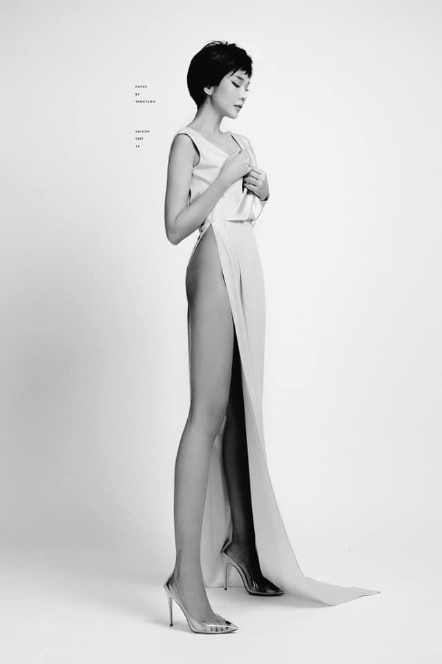 SAO MẶC XẤU: Nhã Phương mặc váy quê mùa sến sẩm - Sulli lộ nội y cùng vòng 1 xập xệ-3