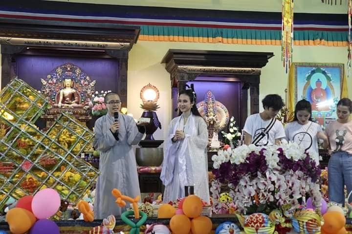 VZN News: Nhan sắc Angela Phương Trinh được so sánh với chị Hằng nhưng antifan vẫn soi vào chiếc mũi chẳng khác nào Đát Kỷ-7