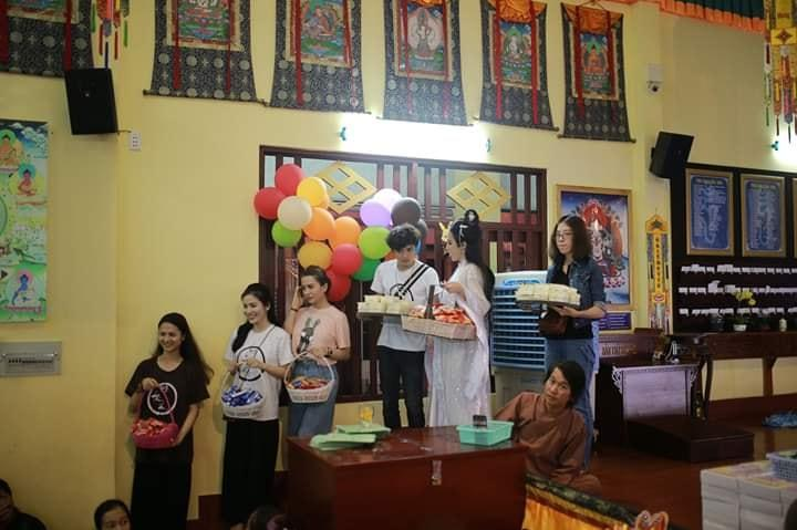 VZN News: Nhan sắc Angela Phương Trinh được so sánh với chị Hằng nhưng antifan vẫn soi vào chiếc mũi chẳng khác nào Đát Kỷ-6