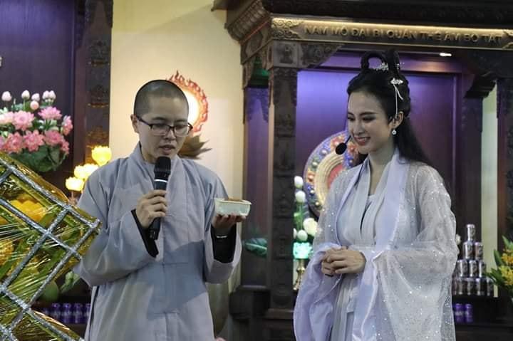 VZN News: Nhan sắc Angela Phương Trinh được so sánh với chị Hằng nhưng antifan vẫn soi vào chiếc mũi chẳng khác nào Đát Kỷ-1