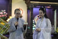 Nhan sắc Angela Phương Trinh được so sánh với 'chị Hằng' nhưng antifan vẫn soi vào chiếc mũi chẳng khác nào Đát Kỷ