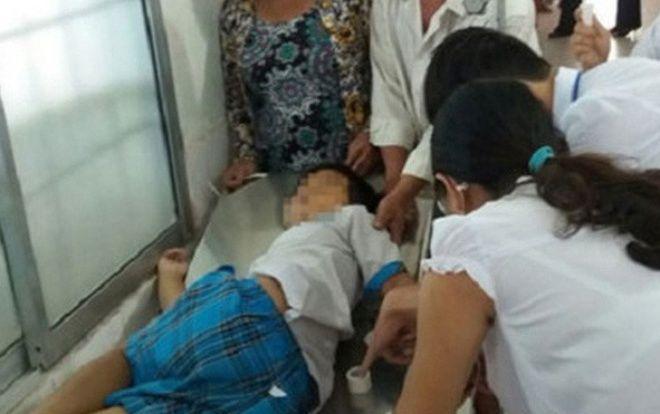 Đang chơi đùa với bạn, học sinh lớp 3 bị ngã đập đầu xuống nền lớp học tử vong-1