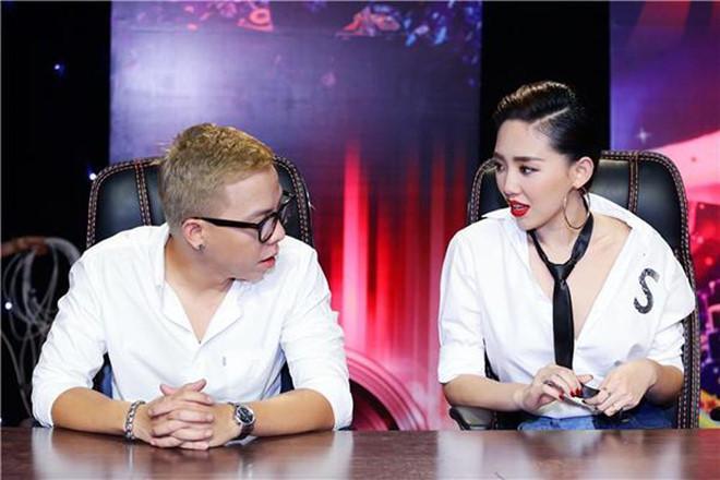 Yêu kín 4 năm, Tóc Tiên - Hoàng Touliver diện đồ gì khi ở bên nhau?-7