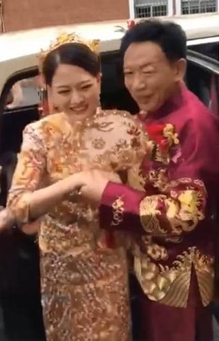Hết cặp đôi ở Cao Bằng, dân mạng xôn xao trước đám cưới cô dâu 26 và chú rể 62 tuổi-1