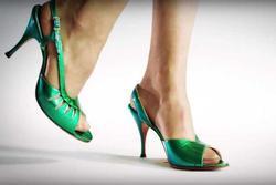 Những đôi giày cao gót 100 năm qua đã biến đổi như thế nào?