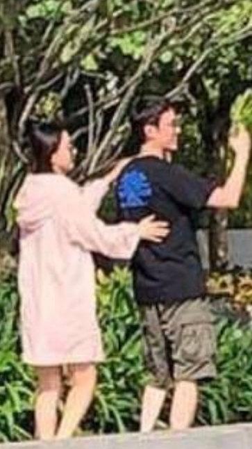 VZN News: Vợ chồng Triệu Lệ Dĩnh - Phùng Thiệu Phong hẹn hò tình tứ giữa tin đồn ly hôn-3