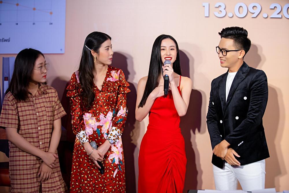 Jun Vũ trổ tài nói tiếng Thái, làm phiên dịch cho Esther Supreeleela-7