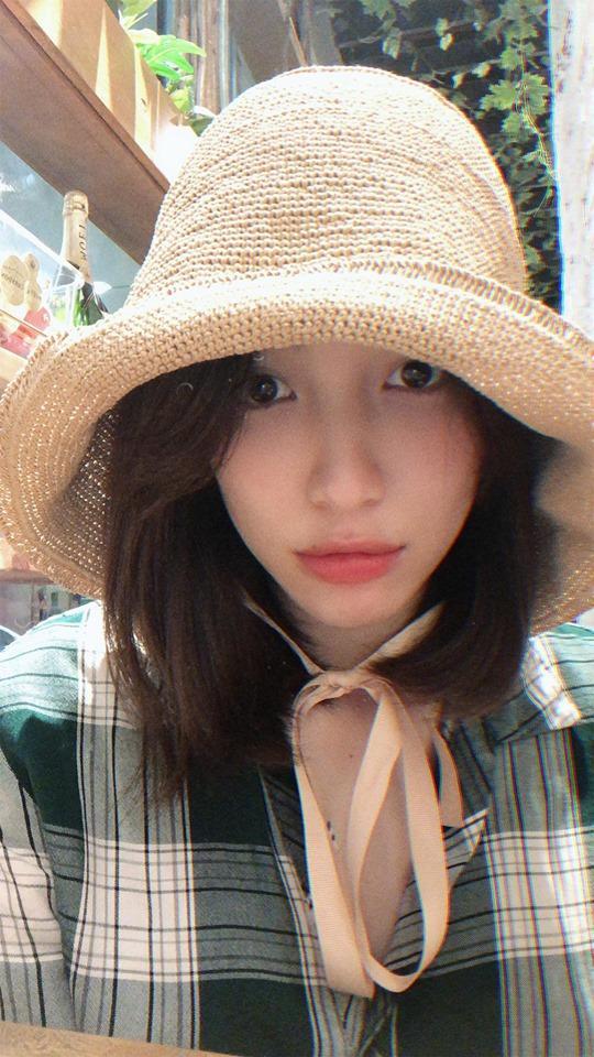 Phản ứng mềm như bún lạ lùng của Hòa Minzy khi bị anti-fan chỉ trích ăn bám người tình thiếu gia-1