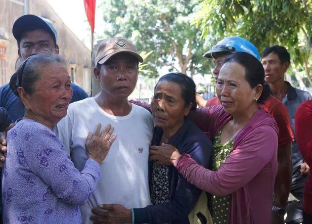 Ly kỳ chuyện cá heo chỉ đường cứu 41 ngư dân Quảng Nam thoát chết-1