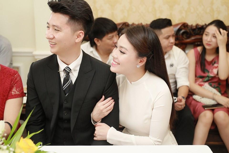 Hủy hôn con trai nghệ sĩ Hương Dung, nữ giảng viên làm lễ dạm ngõ với bạn trai hotboy-8