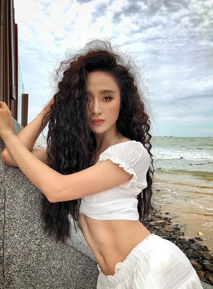 VZN News: Angela Phương Trinh khoe bụng 6 múi cuồn cuộn khiến VĐV thể hình số 1 Việt Nam trầm trồ-8