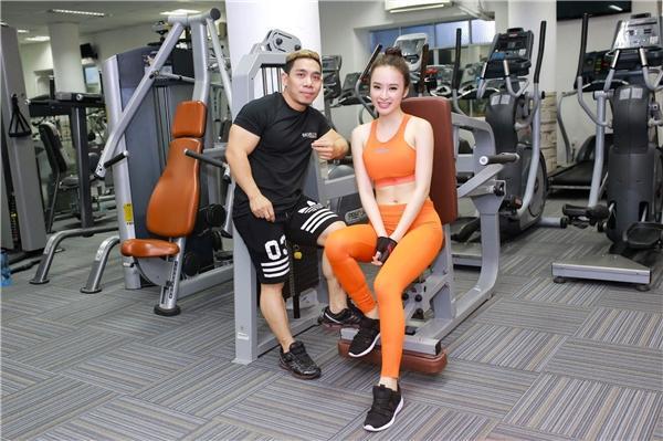VZN News: Angela Phương Trinh khoe bụng 6 múi cuồn cuộn khiến VĐV thể hình số 1 Việt Nam trầm trồ-2