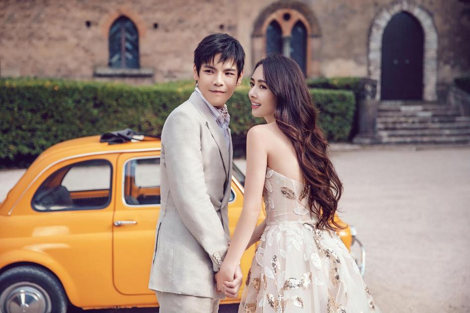 VZN News: Trọn bộ ảnh cưới ngọt ngào của con trai ông trùm Hướng Hoa Cường và mỹ nhân Tiểu thời đại-3
