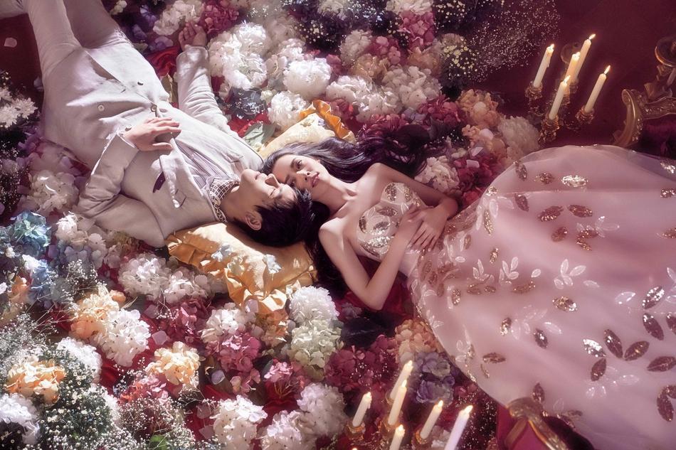 VZN News: Trọn bộ ảnh cưới ngọt ngào của con trai ông trùm Hướng Hoa Cường và mỹ nhân Tiểu thời đại-7