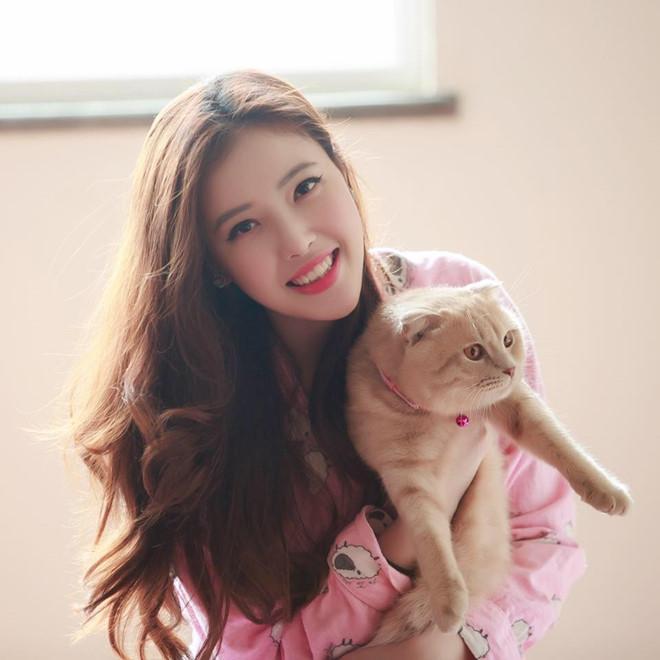 VZN News: Em gái Mai Phương Thúy và chị em của các hoa hậu, á hậu Việt-8