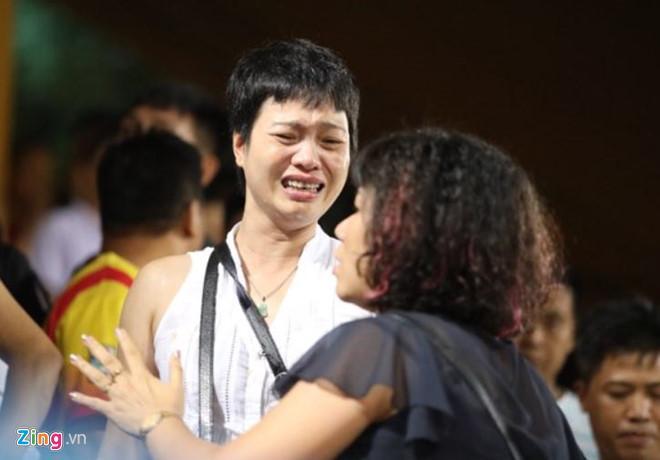 CLB Hà Nội xin lỗi vì sự cố pháo sáng trên sân Hàng Đẫy-1