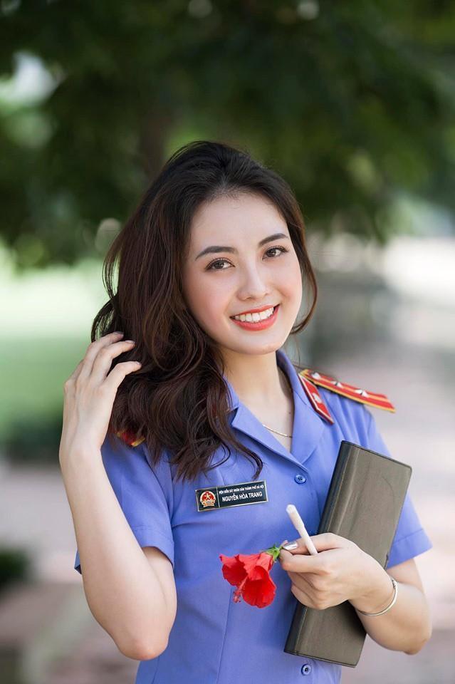 VZN News: Xuất hiện chớp nhoáng, nữ kiểm sát Hà Nội bị binh đoàn mạng tấn công đòi xin link-2