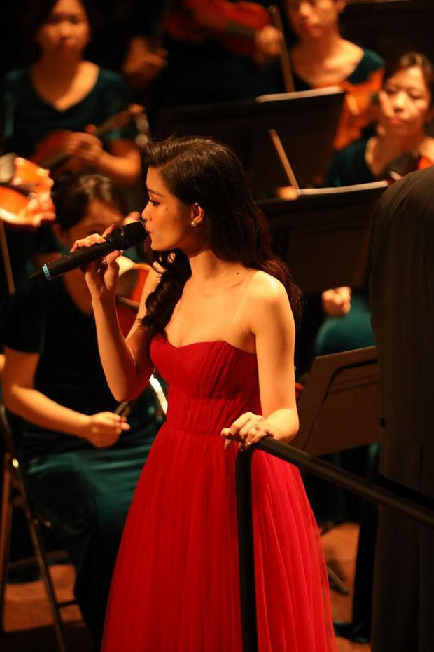 Xin anh đừng kết hợp nhạc giao hưởng quá hay, ai từng chê Đông Nhi live dở giờ sáng mắt chưa?-1