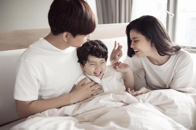 Hôn nhân tan vỡ, 3 cặp sao Việt gây bất ngờ vì vẫn ngủ chung giường và ở chung nhà-3