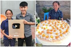 Con trai bà Tân Vlog lên tiếng khi bị tố 'gian dối trong clip làm bánh bông lan'