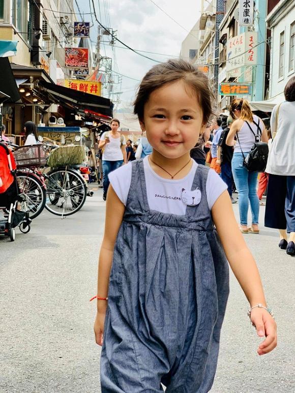 Con gái 4 tuổi của Hà Kiều Anh khiến fan tan chảy vì sở hữu nét Hoa hậu của mẹ-4