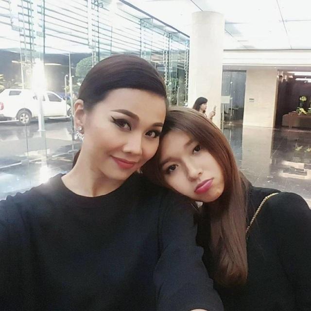 Không chỉ Hoàng Thùy Linh, hoa hậu, MC VTV cũng bị nghi yêu đồng giới-10