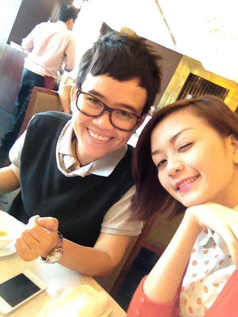 Không chỉ Hoàng Thùy Linh, hoa hậu, MC VTV cũng bị nghi yêu đồng giới-13