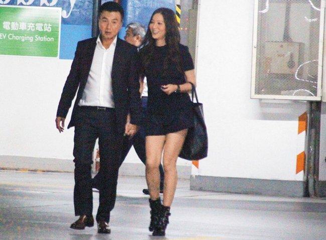 Hoa đán vô danh của TVB: Bị bạn trai 9 năm ruồng bỏ, chấp nhận làm bồ nhí 2 lần-8
