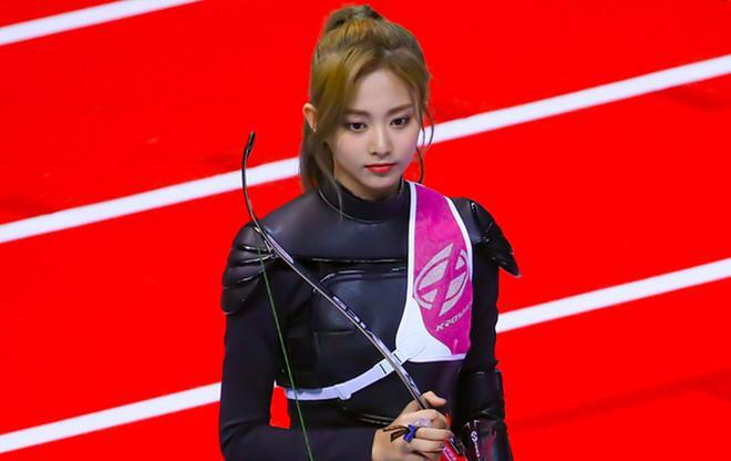 VZN News: Em út TWICE được ví như nữ thần khi bắn cung tại đại hội thể thao-6