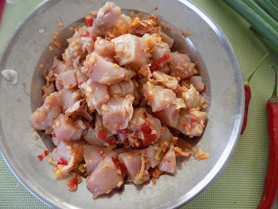 VZN News: Thịt rim mắm ruốc sả ớt đậm đà đưa cơm-3
