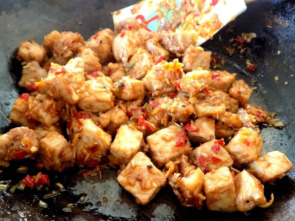 VZN News: Thịt rim mắm ruốc sả ớt đậm đà đưa cơm-6
