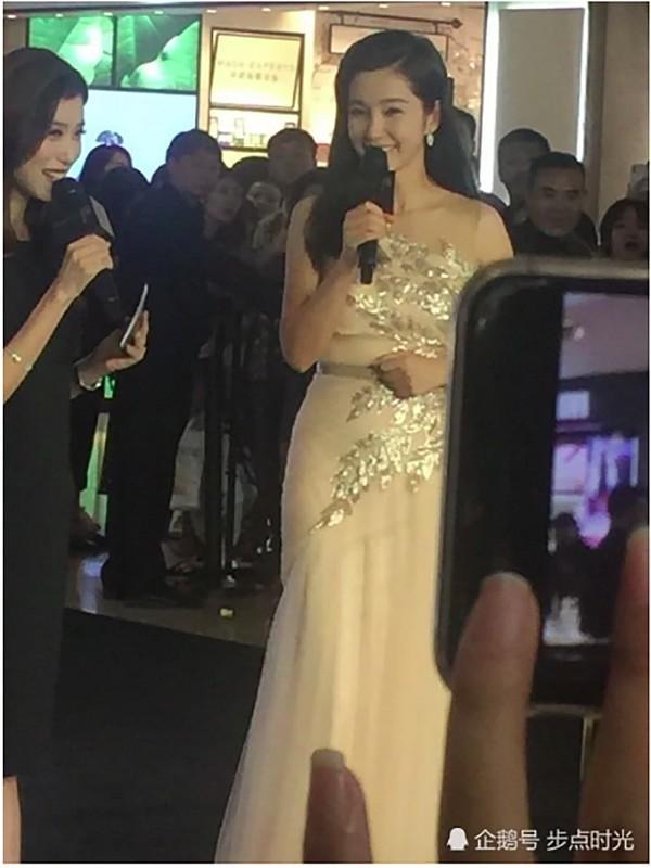 VZN News: Chẳng cần photoshop, U50 Lý Băng Băng đẹp không góc chết qua loạt ảnh cam thường-2