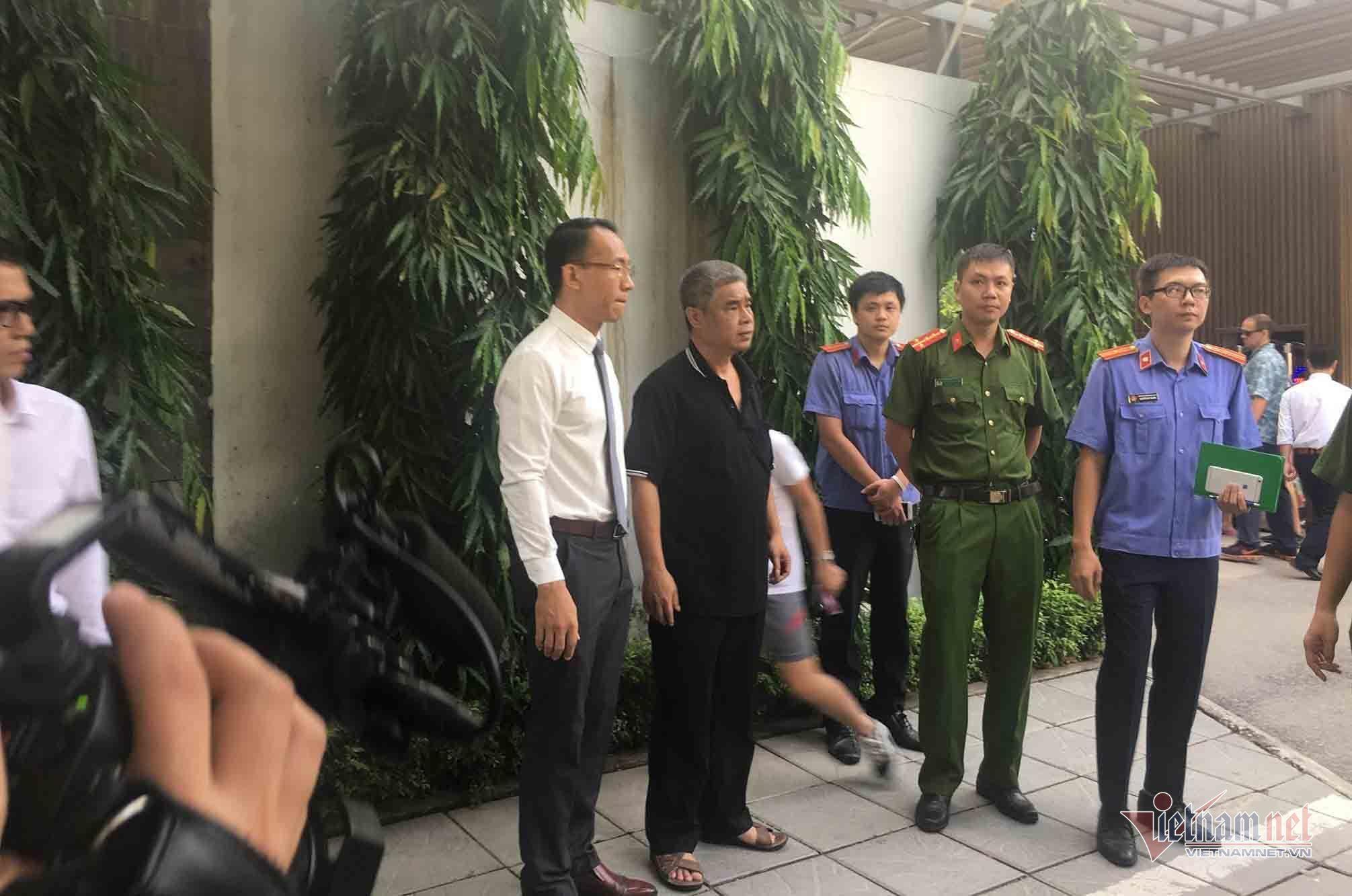 Vụ bé trai tử vong ở trường Gateway: Gia đình đề nghị bà Nguyễn Bích Quy có mặt ở buổi thực nghiệm chiều nay-2