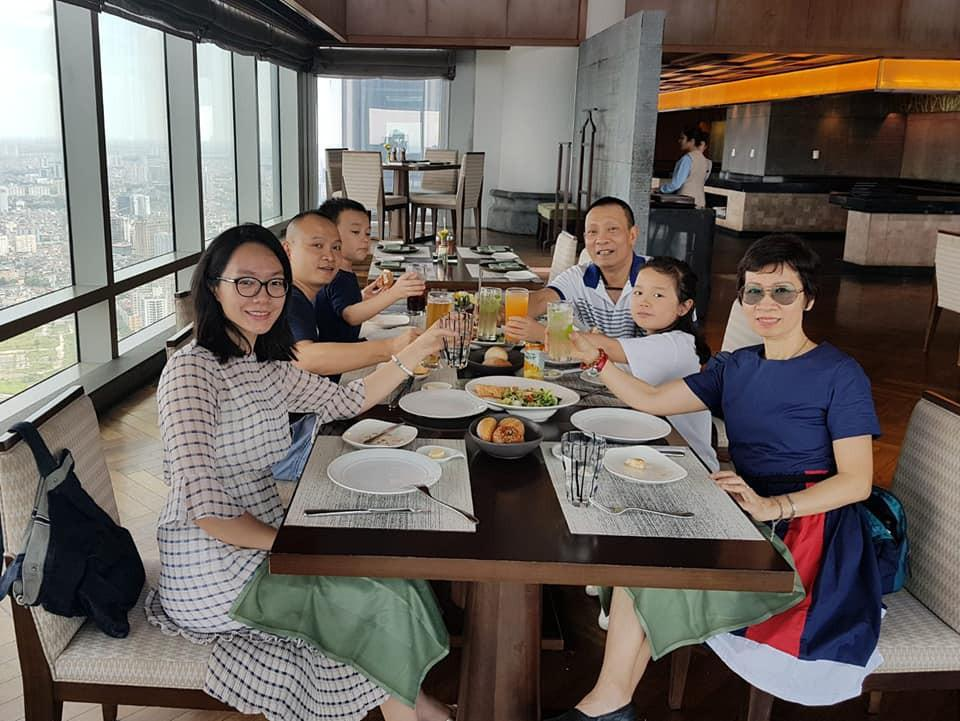 Tiết lộ thu nhập tăng vèo vèo sau khi nghỉ việc nhà đài nhưng chia sẻ về bà xã của MC Lại Văn Sâm mới thu hút-2