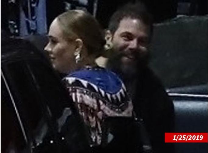 Adele đệ đơn ly hôn-2