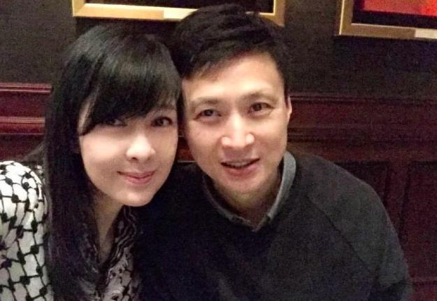 VZN News: Châu Huệ Mẫn đăng ảnh chơi trung thu cùng chồng, chẳng ai biết người đẹp đã 52 tuổi!-5