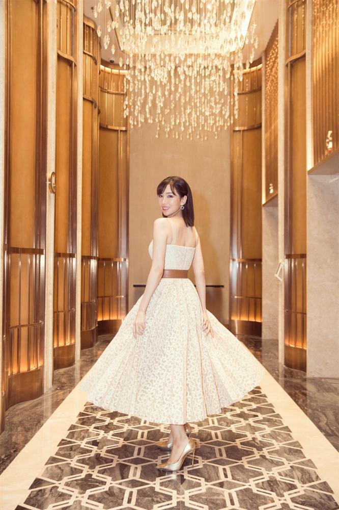 VZN News: SAO MẶC ĐẸP: Chi Pu - Minh Tú - Thanh Hằng đọ sắc trong những gam màu nóng bỏng tay-10