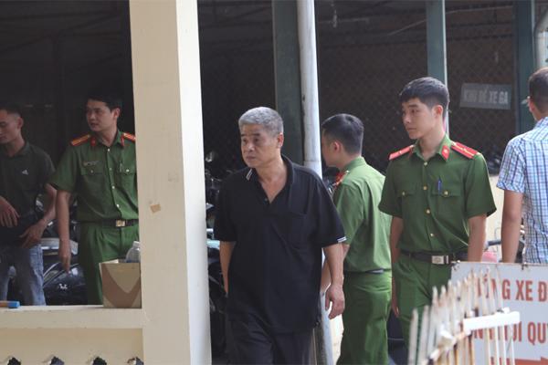 Vụ bé trai tử vong ở trường Gateway: Bà Nguyễn Bích Quy vẫn vắng mặt trong buổi thực nghiệm lần 3-2