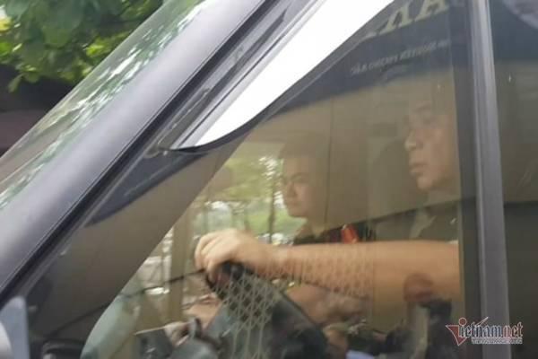 Vụ bé trai tử vong ở trường Gateway: Bà Nguyễn Bích Quy vẫn vắng mặt trong buổi thực nghiệm lần 3-3