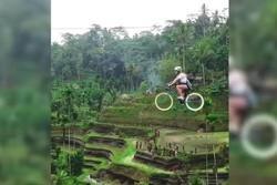 Xe đạp bay trên ruộng bậc thang, thử thách dành cho hội ưa thót tim