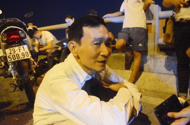 VZN News: Tìm thấy thi thể nạn nhân rơi xuống sông Hồng trong vụ container tông một loạt xe máy từ cầu Thanh Trì-3